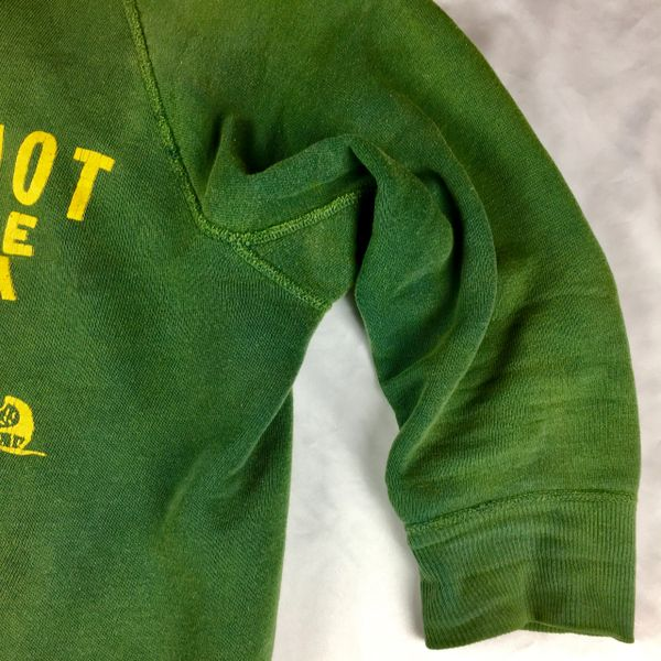 1950s 100% COTTON PEQUOT TRIBE YMCA GUSSETED YELLOW & GREEN FADED & DISTRESSED SWEATSHIRT XS