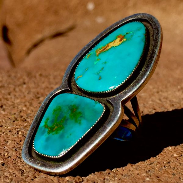 SOLD 1950s FINGER LONG 2 STONE BLUE GEM TURQUOISE MACHINE AGE DECO RING