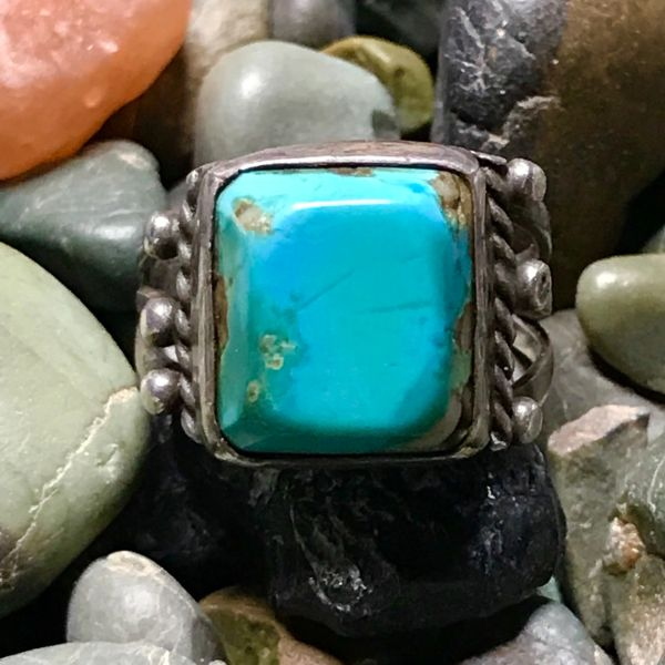 1920s TALL BEVELED SQUARE BLUE TURQUOISE INGOT SILVER RING