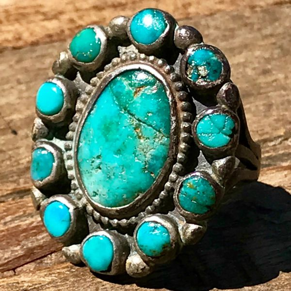 1940s OVAL & ROUNDI ZUNI CLUSTER TURQUOISE SILVER RING