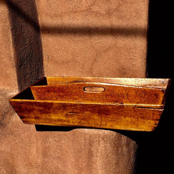 1830s UNUSUALLY LONG QUARTER SAWN PRIMITIVE PINE 2 COMPARTMENT HARVEST BIN
