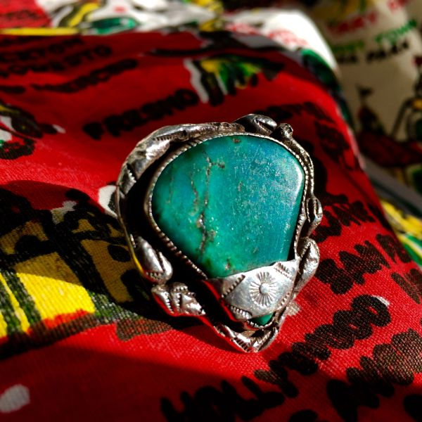 1960s SUN STAMPED BANNER SILVER BLUE & GREEN TURQUOISE TRIANGULAR RING