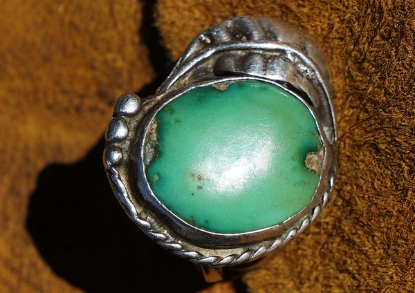 1960'S GREEN TURQUOISE & SILVER RING