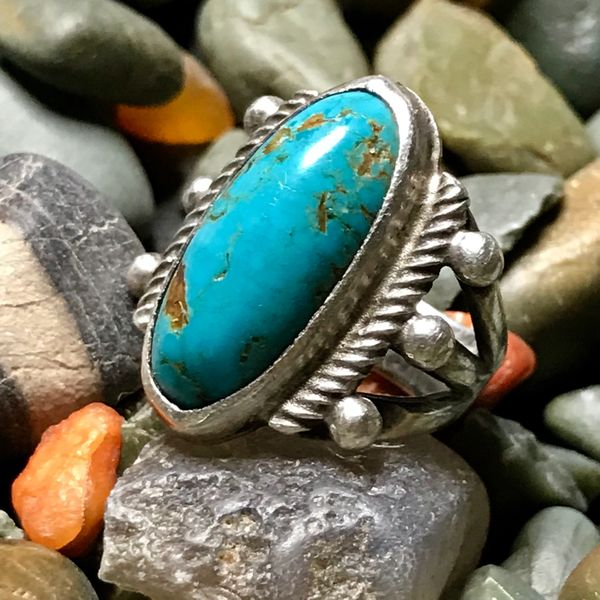 1930s DOMED OVAL BRIGHT BLUE TURQUOISE INGOT SILVER PINKY RING