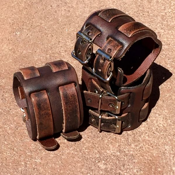 2 BUCKLE DISTRESSED MEDIUM BROWN LEATHER CUFF BRACELET