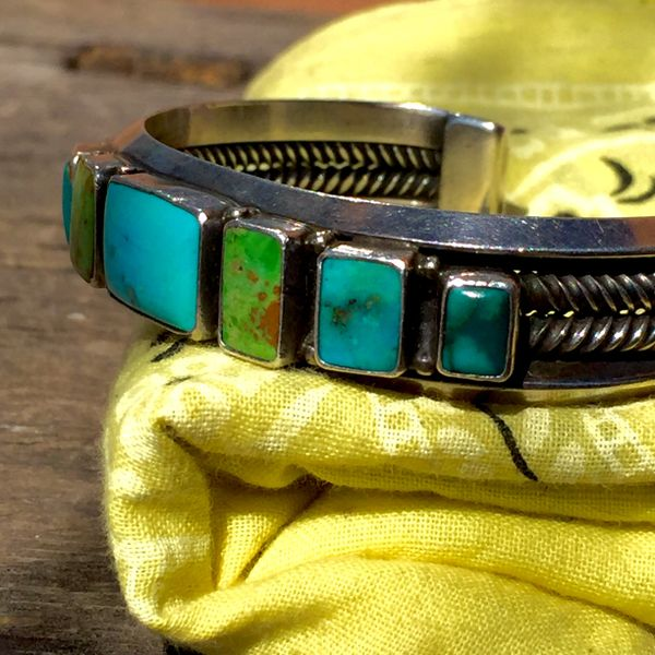 SOLD 1970s WROUGHT TWISTED & CARINATED BLUE GREEN TURQUOISE CUFF