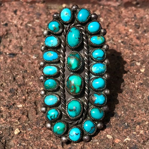 SOLD 1930s FINGER LONG GREEN& BLUE TURQUOISE SILVER ZUNI CLUSER RING