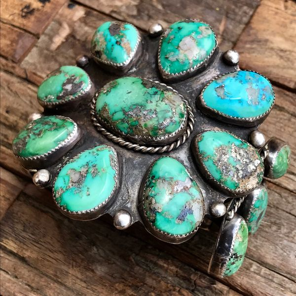 1950s HUMONGOUS ZUNI CLUSTER BLUE & GREEN TURQUOISE WITH QUARTZ MATRIX INCLUSIONS SILVER CUFF BRACELET BIG WRIST