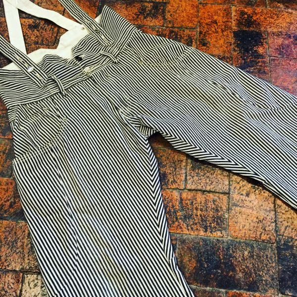 JAPAN MADE LEE RIDERS RAILROAD RAILMAN PINSTRIPED INDIGO DENIM SHORTS & SUSPENDERS