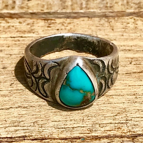 SOLD 1910s HANDMADE STAMPS INGOT SILVER RAINDROP BLUE TURQUOISE SMALL PUEBLO RING