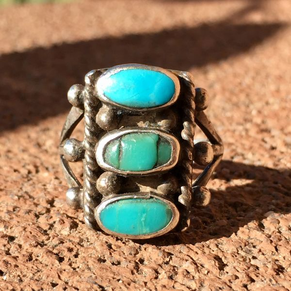 SOLD 1920s OVAL STOPLIGHT BLUE GREEN TURQUOISE ROPE RING