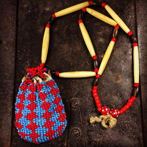 1930s BEADED DEERSKIN MEDICINE POUCH from a SHAMAN with ORIGINAL CONTENTS