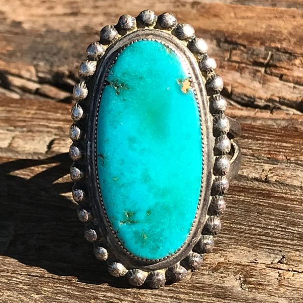 SOLD 1920s OVAL BRIGHT BLUE GREEN TURQUOISE SILVER RING