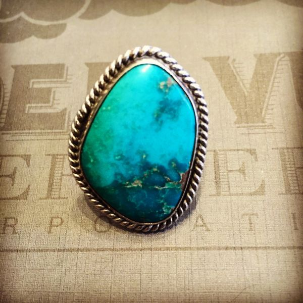 1960s GIANT TURQUOISE VINTAGE RING