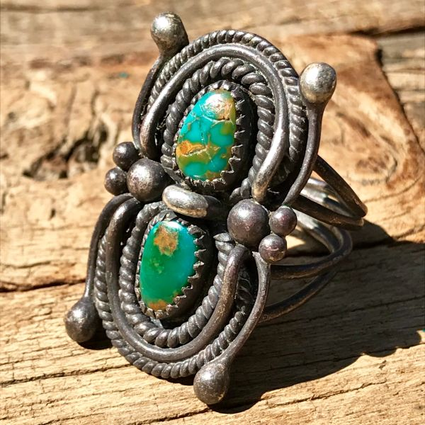 SOLD 1940s SPIDER SHAPED CERILLOS TURQUOISE SILVER RING
