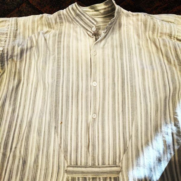 SHASHIKO BORO BANDED COLLAR FRENCH GREY HOMESPUN 1880s PLEATED GRANDAD SHIRT