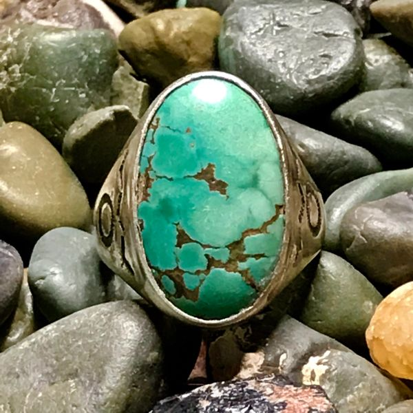 1930s OVAL LIGHT GREEN TURQUOISE SANDCASTLE SILVER SIDE STAMPED MENS RING
