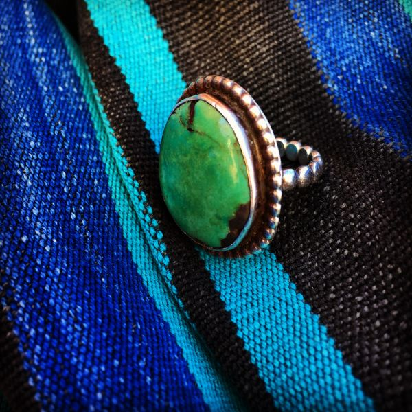 1930s SOLD BIG BLUE GREEN SILVER TURQUOISE RING WITH RAIND ROP BAND