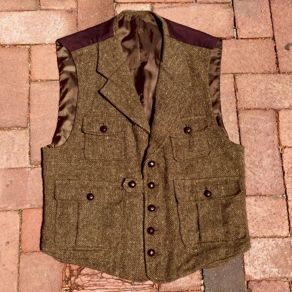 BRITISH STYLE WOOL TWEED HUNTING VEST with LEATHER BUTTONS & COTTON BACK