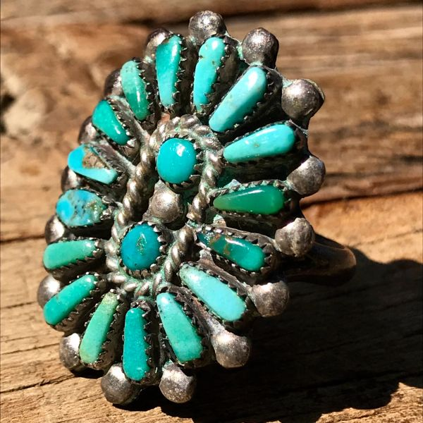 1950s SMALL ZUNI BLUE & GREEN TURQUOISE SILVER CLUSTER RING