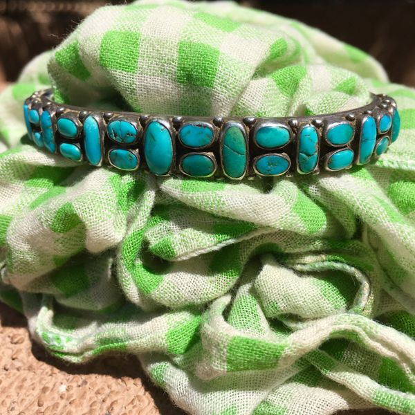 SOLD 1920s 31 TURQUOISE STONES HAND-PULLED INGOT SILVER WIRE CUFF BRACELET
