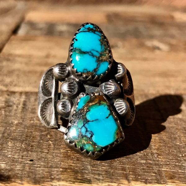 1940s INGOT SILVER HANDCUT BEZELS 2 GEM QUALITY BLUE TURQUOISE STONES, PEYOTE BUTTONS & STAMPED SIDE SHIELDS RING