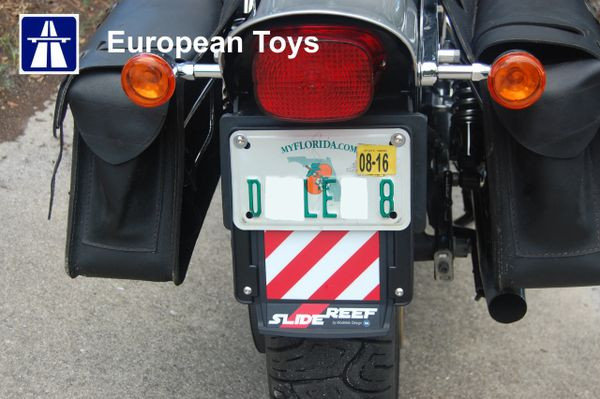 Universal licence plate holder with extendable beacons SlideReef ...