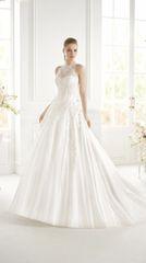 Avenue Diagonal by Pronovias Wedding Dress Gitel