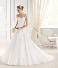 La Sposa by Pronovias Wedding Dress Elmina