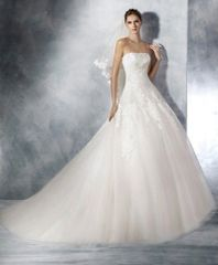 White One by Pronovias Wedding Dress Triana