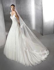 San Patrick by Pronovias Wedding Dress Zeilena