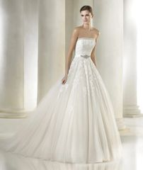 San Patrick by Pronovias Wedding Dress Argelia