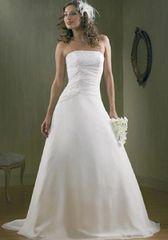 Raylia Designs Wedding Dress W340