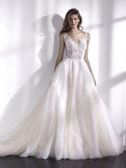 San Patrick by Pronovias Wedding Dress Libano