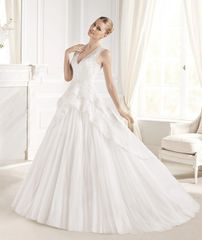 La Sposa by Pronovias Wedding Dress Estralita