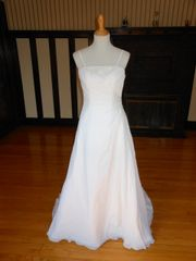 Raylia Designs Wedding Dress 90C08033