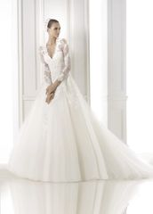 La Sposa by Pronovias Wedding Dress Engrin