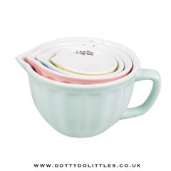 Set of 4 Retro Pastel Measuring Cups