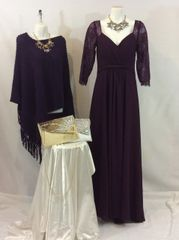 Elegant Formal Lace 3/4 Sleeve Evening Gown
