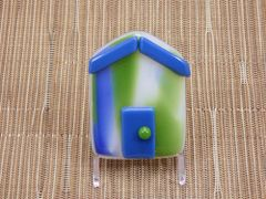 Beach hut glass fridge magnet - blue/green pattern with blue trim