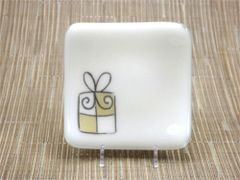 Christmas present cream glass small curved plate