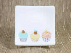 Cupcake white curved glass plate