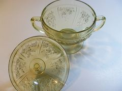 "Collectibles - Vintage Federal's ""Cabbage Roses"" Yellow Depression Glass Sugar Bowl & Lid by Federal"