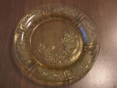 "Collectibles - Vintage Federal's ""Cabbage Roses"" Depression Glass Bread Butter Plate by Federal"