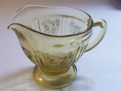 "Collectibles - Vintage Federal's ""Cabbage Roses"" Yellow Depression Glass Creamer by Federal"