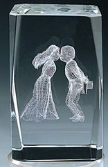 AIE LASER CUT CRYSTAL KISSING COUPLE