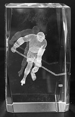 AIE LASER CUT CRYSTAL HOCKEY PLAYER