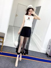 Korean Woman Sets Sleeveless Blouse With Gauze Skirt