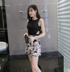 Korean Modern Style Bandage Tops With Floral Printed Skirts