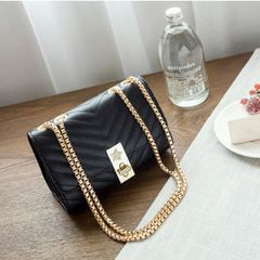 Stripe Noble Chain Shoulder Hasp Bags